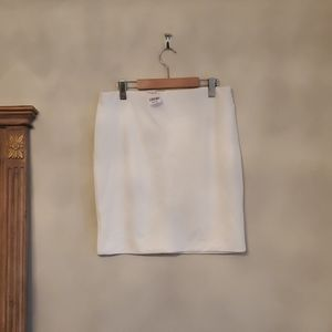 BRAND NEW   Off White stretch knit skirt LeChâteau
